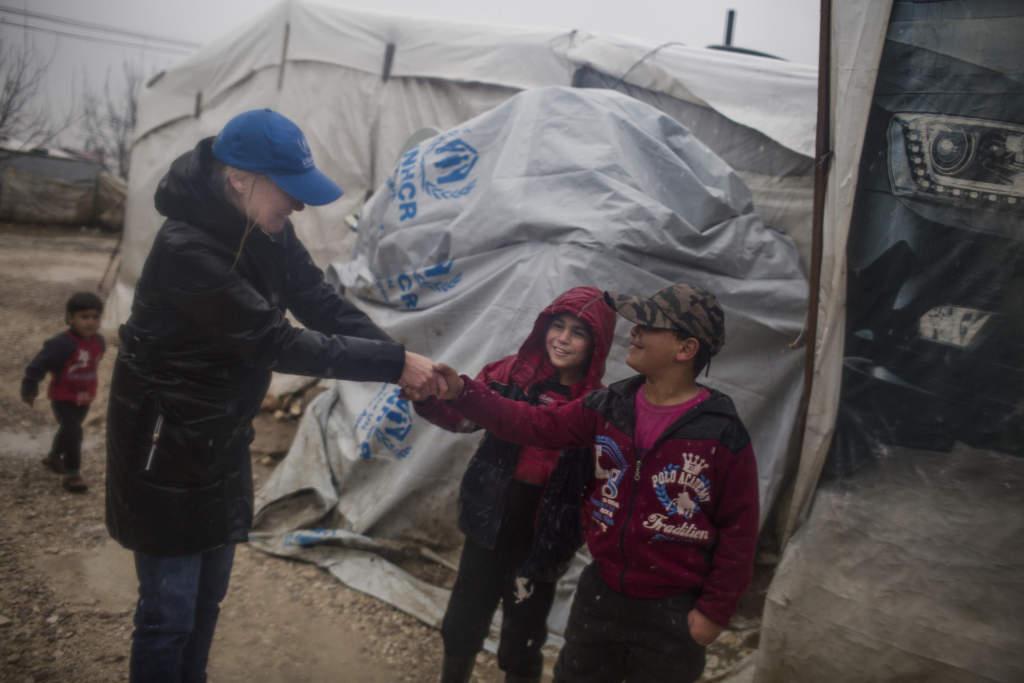 """""""Sverige är UNHCR:s största givare av så kallat oöronmärkt stöd och det är pengar som organisationen kan använda där behoven är som allra störst"""", berättar Karolina Lindholm Billing."""